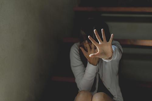 性交 要件 等 罪 構成 者 監護 「性交同意年齢は16歳未満に」「不同意性交等罪の新設を」NGOが性犯罪の刑法改正案発表(弁護士ドットコム)